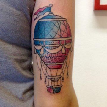 balao tatuagem neotradicional