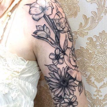 flores black tatuagem