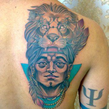 rosto e leao neotradicional tatuagem