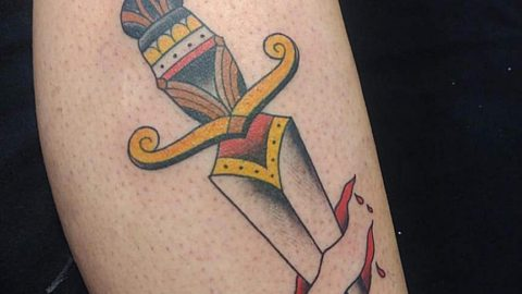 tattoo-adaga-neotradicional-concentrate