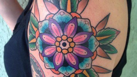 tatuagem-neotradicional-flor