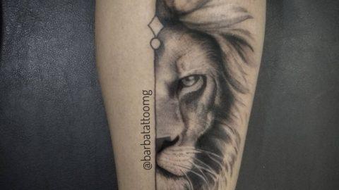tatuagem-blackwork-leao-lion