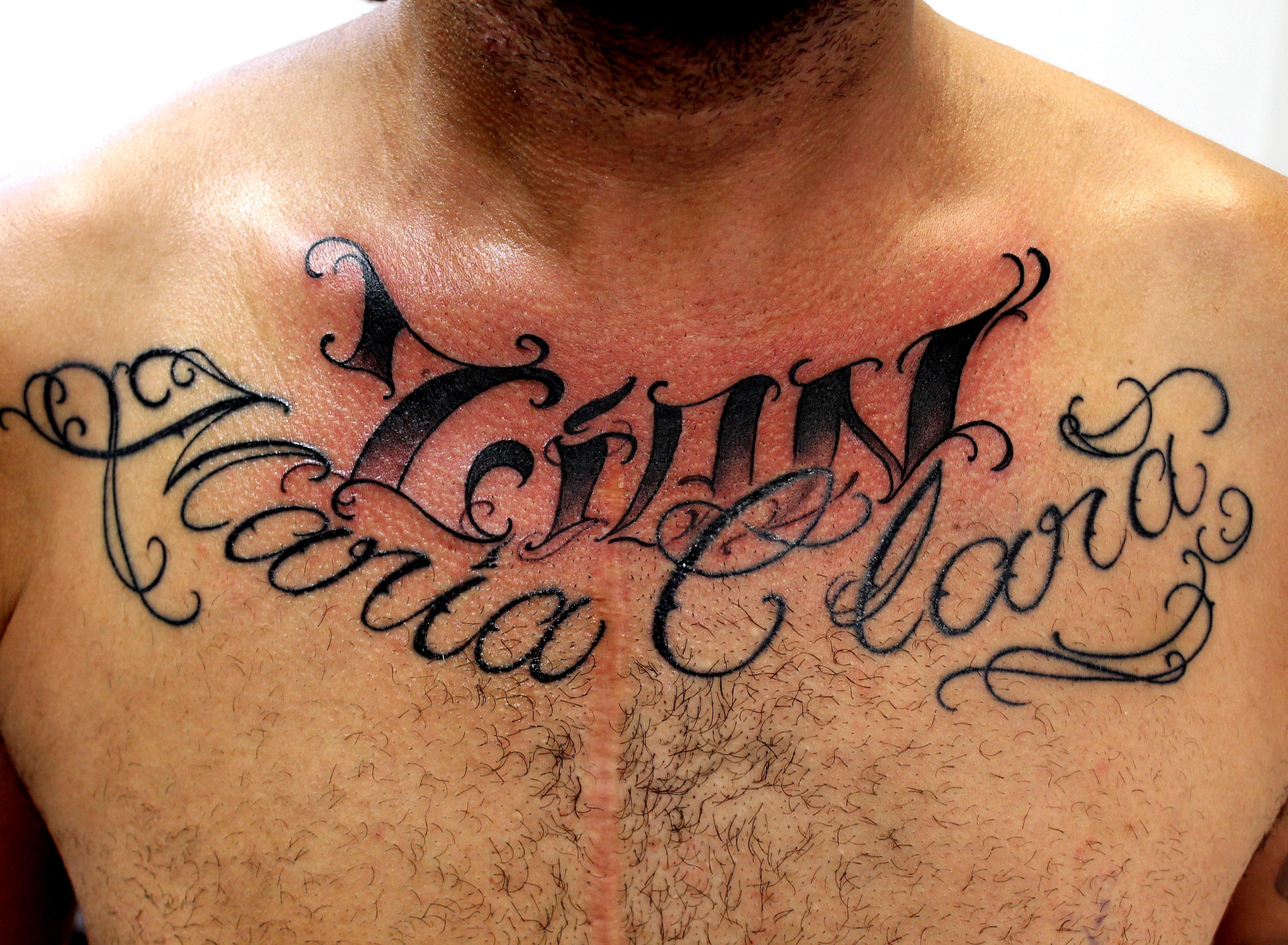 escrita tatuagem