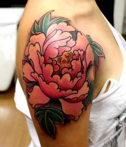peonia tatuagem